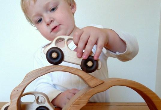 Belajar berkendara secara aman - Lebih Hemat dengan Memilih Harga Mobil Mainan Anak yang Murah dan Edukatif