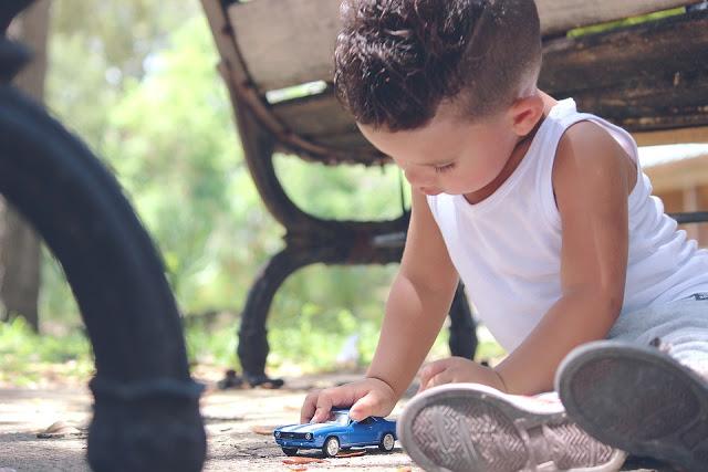 Melatih koordinasi mata tangan - Lebih Hemat dengan Memilih Harga Mobil Mainan Anak yang Murah dan Edukatif