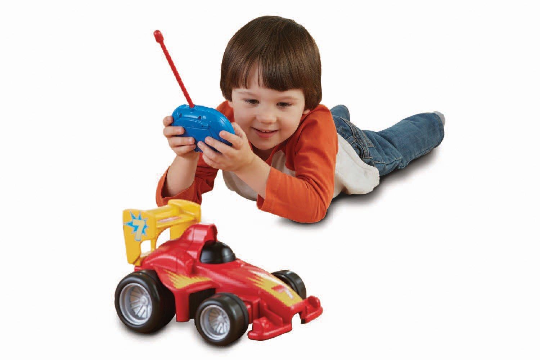 Belajar bertanggung jawab untuk menjaga barang miliknya sendiri - Manfaat Mainan Mobil Remot untuk Melatih Kecerdasan Emosional Anak