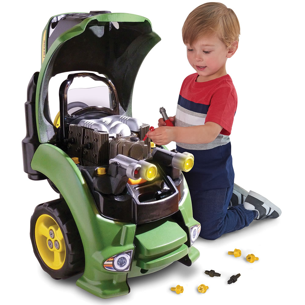 Menyadari kesalahan dan memperbaikinya - Manfaat Mainan Mobil Remot untuk Melatih Kecerdasan Emosional Anak
