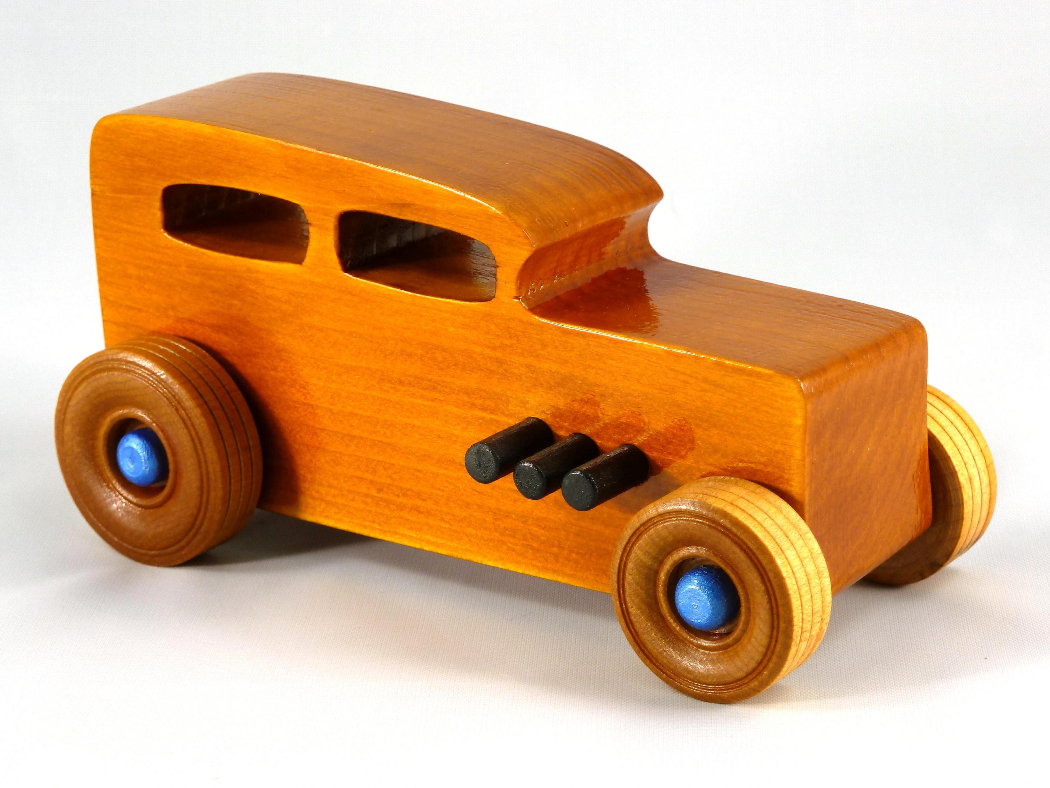 Mobil Mainan Kayu - Macam-Macam Mobil Mainan dan Tips yang Perlu Anda Perhatikan dalam Memilih Mobil Mainan Anak