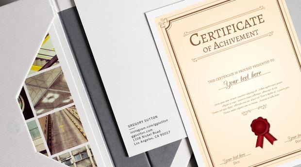 Kertas karton untuk mencetak undangan dan sertifikat - Ini 5 Kegunaan Kertas Karton dalam Industri Percetakan