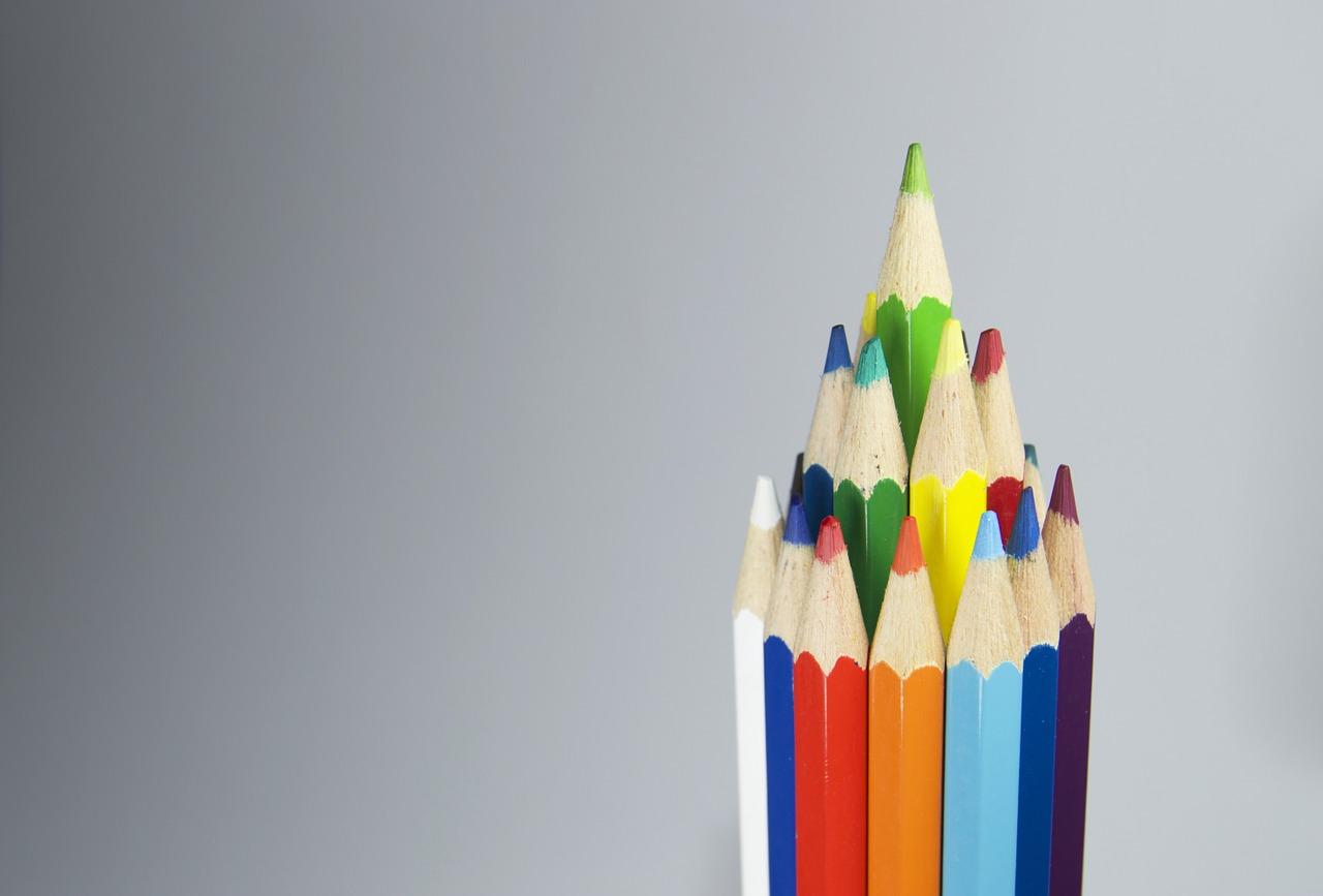 Jenis Pensil Warna - Pertimbangkan 5 Hal Ini Sebelum Memilih Pensil warna
