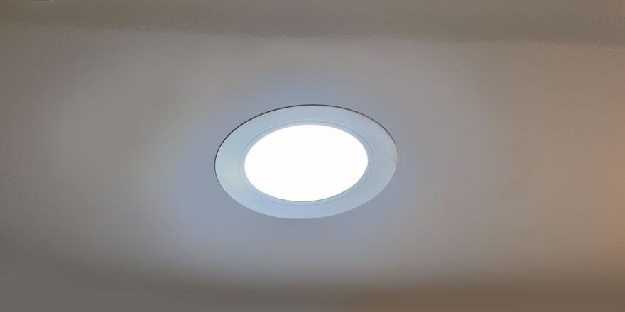 Cara Mengganti Fitting Lampu -Hati-hati, Ini Cara Memilih dan Mengganti Fitting Lampu yang Aman - puppify.info